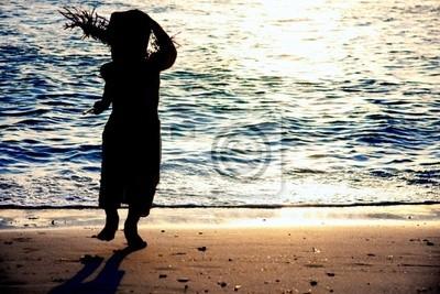Kind Silhouette auf Sonnenuntergang Meer Hintergrund