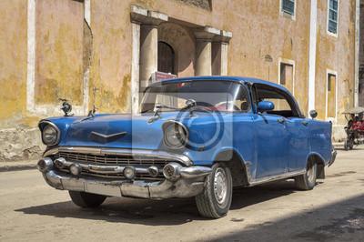 Klassischen amerikanischen alten blauen Auto in Alt-Havanna, Kuba