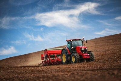 Poster Landwirt mit Traktor Sämereien auf Feld