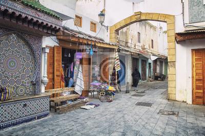 Leere Straßen von Rabat Medina, Marokko während des Tages