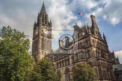 Manchester Town Hall, Großbritannien mit bewölktem Himmel