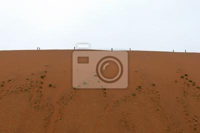 Menschen auf einer Düne, Deadvlei, Namibia