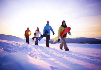 Poster Menschen auf ihrem Weg zu Snow Boarding