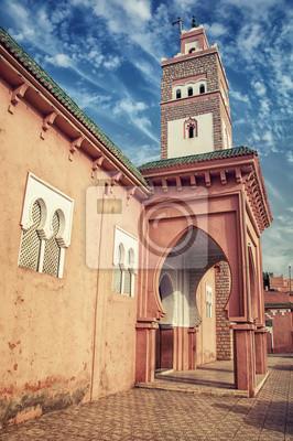 Minarett einer alten Moschee in Berber-Stadt Ouarzazate, Marokko