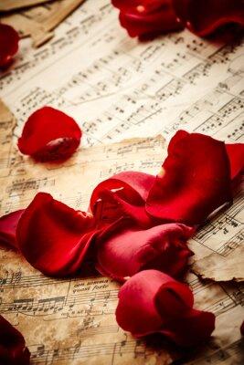 Poster Musik Blatt mit Rosenblättern