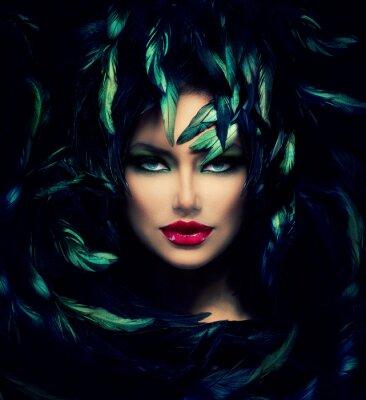 Poster Mysterious Woman Portrait. Schöne Modell Frau Gesicht Nahaufnahme
