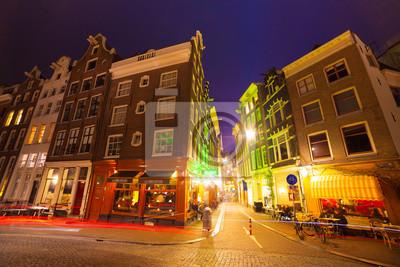 Nachtansicht Straßen von Amsterdam Stadt.
