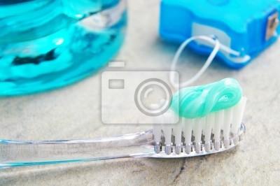 Nahaufnahme einer Zahnbürste, Zahnseide und spülen Sie mit