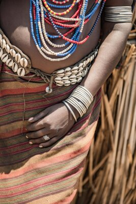 Nahaufnahme von der Hand der Arbore Frau, Äthiopien
