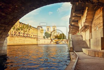 Notre Dame de Paris bei Sonnenuntergang, Paris, Frankreich