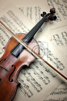 Old zerkratzt Geige mit Noten. Vintage-Stil.