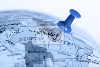 Ort Brasilien. Auf der Karte blau Pin.