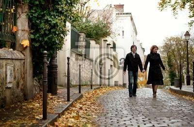 Paar in Paris am Montmartre