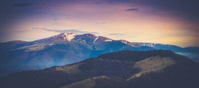 Poster Panorama Berglandschaft im Frühjahr.