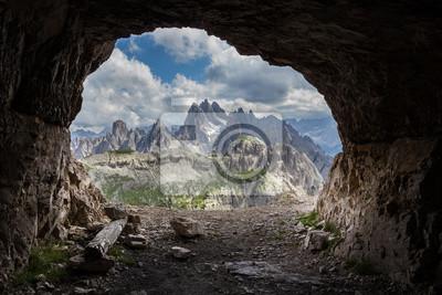 Panorama von künstlichen Höhlen, Dolomiten, Italien.