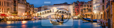 Poster Panoramic view of the Rialto Bridge and Canal Grande in Venice, Italy