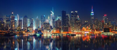 Poster Panoramic view on Manhattan at night, New York, USA