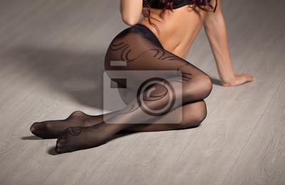 95b9396a61b3ed Poster: Perfekte, sexy körper, beine und arsch der jungen frau tragen