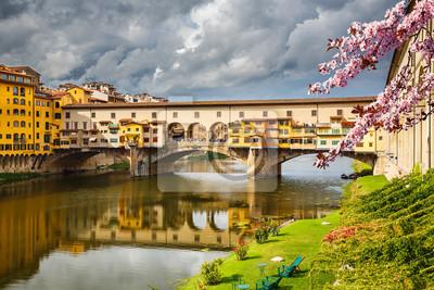 Ponte Vecchio in Florenz im Frühjahr, Italien
