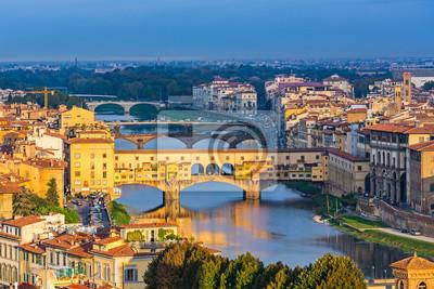 Ponte Vecchio über Arno-Fluss in Florenz, Italien