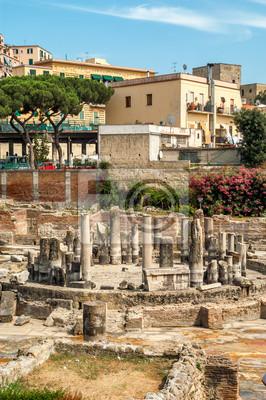 Pozzuoli Ruinen in der Stadt