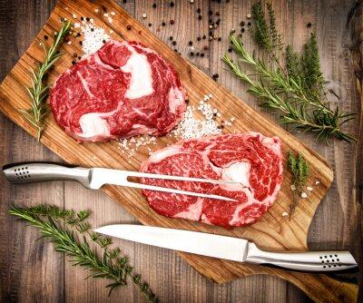 Poster Raweye Steak mit Kräutern und Gewürzen. Retro-Stil