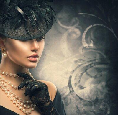 Poster Retro Frau Porträt. Weinleseartmädchen, das altmodischen Hut trägt
