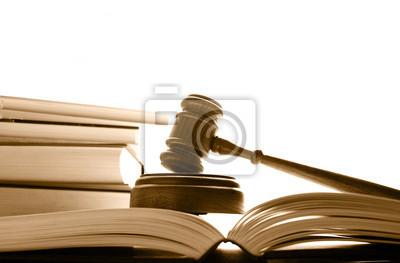 Richter Gericht Hammer auf das Recht Bücher, weiß