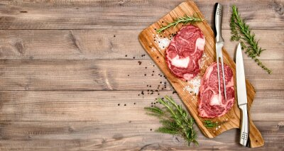 Poster Rindfleisch Steak mit Kräutern und Gewürzen