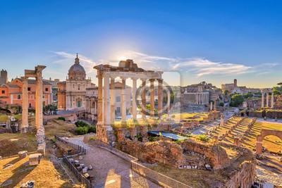 Poster Rom Sonnenaufgang Skyline der Stadt bei Forum Rom (Forum Romanum), Rom, Italien
