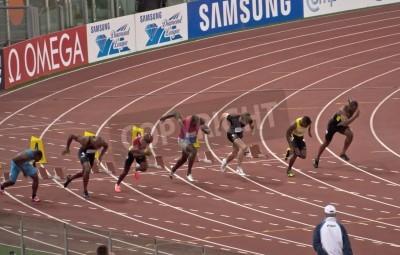 Poster ROME. 31. Mai: Usain Bolt läuft und gewinnt 100 m Geschwindigkeit Rennen in Golden Gala im Olympiastadion am 31. Mai 2012 in Rom