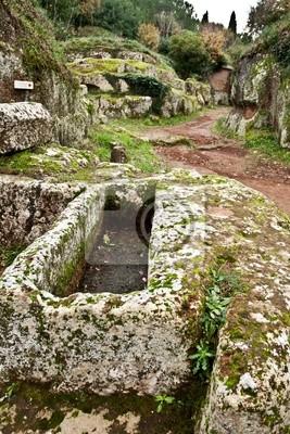 Sarkophag in der etruskischen Nekropole von Cerveteri (Italien)