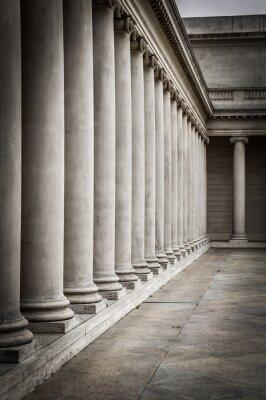 Poster Säulen im Innenhof des Palastes von der Ehrenlegion