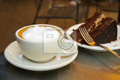 Schaumig Kaffee und Schokolade Kuchen