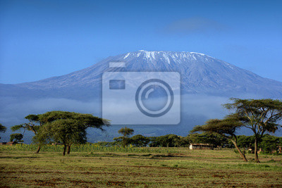 Schnee auf Gipfel des Mount Kilimanjaro in Amboseli