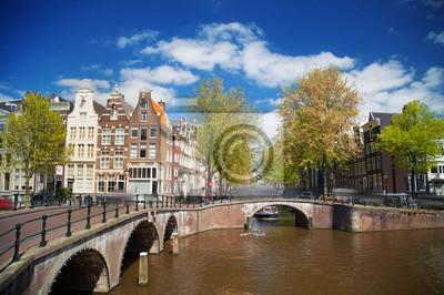 Schöne Aussicht auf Amsterdamer Grachten