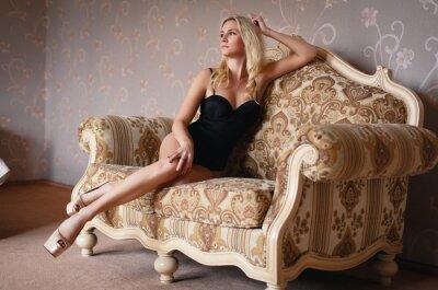 Poster Schöne blonde Mädchen in einem sexy Dessous
