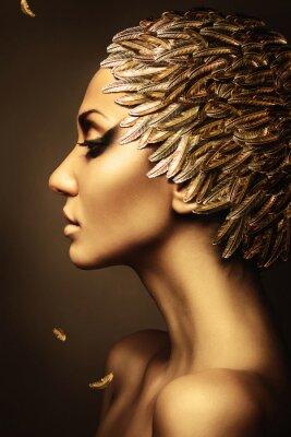 Poster schöne Frau mit gold Federhut