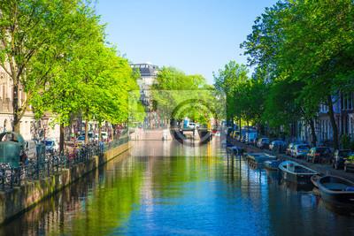 Schöne Kanal in der Altstadt von Amsterdam, Niederlande, Nord-