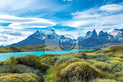 Schöne Landschaft Pehoe Sees und Guernos-Berge, Nationalpark Torres Del Paine, Patagonia, Chile, Südamerika