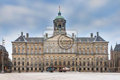 Schöne Winter Blick auf den Königspalast auf dem Dam-Platz in Amsterdam, den Niederlanden