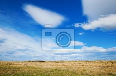Schöner Himmel in Patagonien mit linsenförmigen Wolken