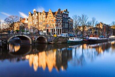 """Schönes Bild von der UNESCO-Weltkultur Kanäle der """"Brouwersgracht 'en' Prinsengracht (Prinz-Kanal)"""" in Amsterdam, Niederlande"""