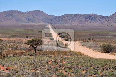Schotterweg nach Bergen, Namibia, Afrika