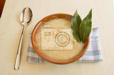 Poster Schüssel mit Huhn und Kichererbsen Suppe.