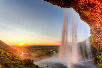 Poster Seljalandsfoss Wasserfall bei Sonnenuntergang, Island