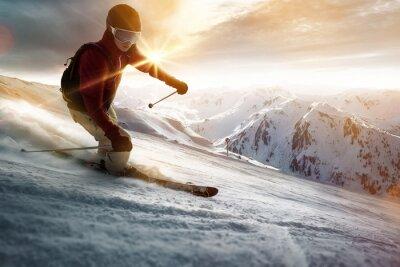 Poster Skifahrer in einem Sonnenuntergang Einstellung