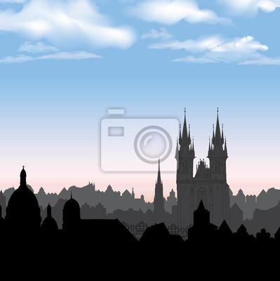 Skyline der Stadt. Stadtansicht. Fußgängerzone in der alten europäischen Stadt mit Turm. Alte Stadt. Historische Stadtstraße. Reise Hintergrund.