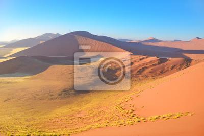 Sonnenaufgang Dünen der Namib Wüste, Sossusvlei, Namibia, Afrika