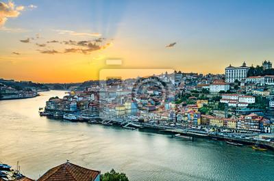 Sonnenuntergang in Porto, Portugal
